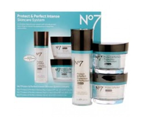 Boots No7 Protect and Perfect Intense Skincare System Kit